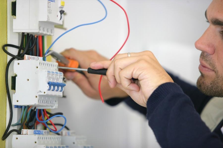 Изградба на електрични инсталации